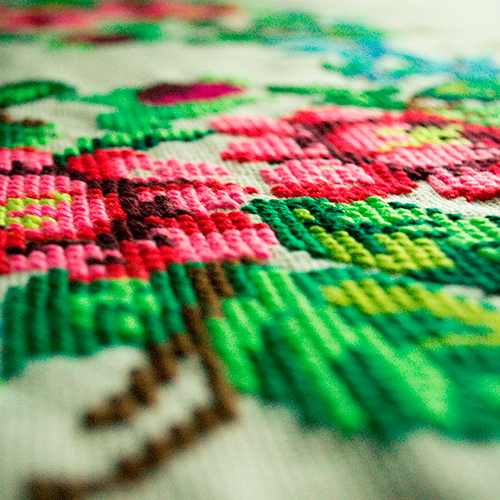 Lanas y artículos para tejido y bordado